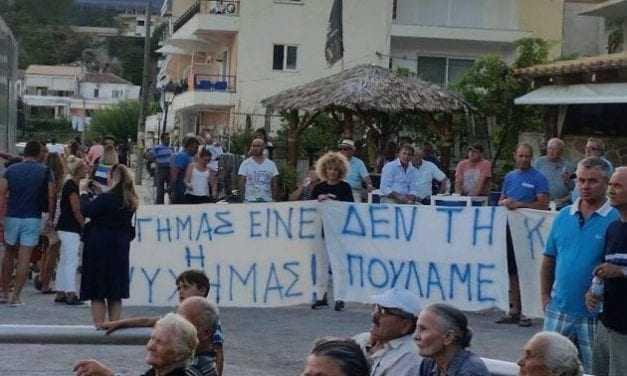 Πρόδωσαν τη Χειμάρρα – Τα ονόματα των «Ελλήνων» που προσκύνησαν τους Αλβανούς – Οργή στη Βόρεια Ήπειρο
