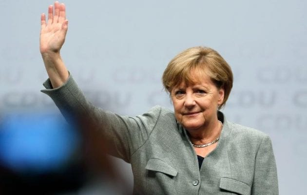 Μετά από επτά χρόνια φτωχοποίησης τώρα η Μέρκελ θυμήθηκε ότι οι Έλληνες «δεν είναι τεμπέληδες»
