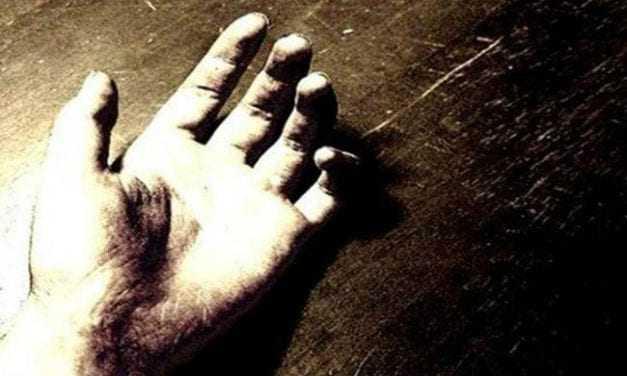 Φρίκη στα Χανιά – Βρήκε το παιδί του νεκρό στο διαμέρισμα!