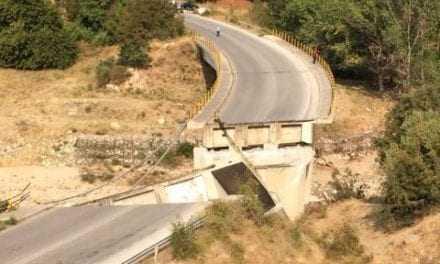 Ελλάδα 2017! Γέφυρες καταρρέουν σαν να ήταν φτιαγμένες από σπιρτόκουτα!