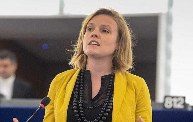 Γερμανίδα ευρωβουλευτής αφηγείται στην Ευρωβουλή πώς προσπάθησαν να τη βιάσουν