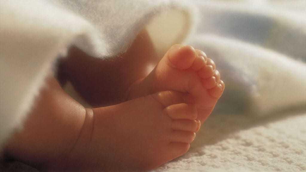 Τραγικό: Δύο μωρά βρέθηκαν εγκαταλελειμμένα σε διαμέρισμα στο Περιστέρι