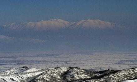 Επεσαν τα πρώτα χιόνια σε Όλυμπο και Καϊμάκτσαλαν [video]