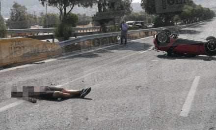 Εικόνες-σοκ: Τροχαίο με θύματα δύο νέους στην παραλιακή