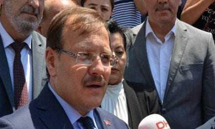 Ο γεννημένος στην Ελλάδα Τσαβούσογλου θέλει τουρκικά ελικόπτερα στη Θράκη για να παίρνουν ασθενείς. Πόσο ρεζίλι να γίνουμε στην Θράκη;