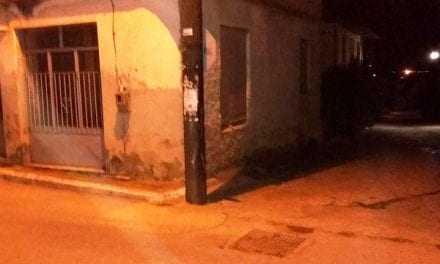 Ανείπωτη τραγωδία: Ενας 13χρονος σκοτώθηκε στην Καβάλα όταν το μηχανάκι που επέβαινε έπεσε σε τοίχο