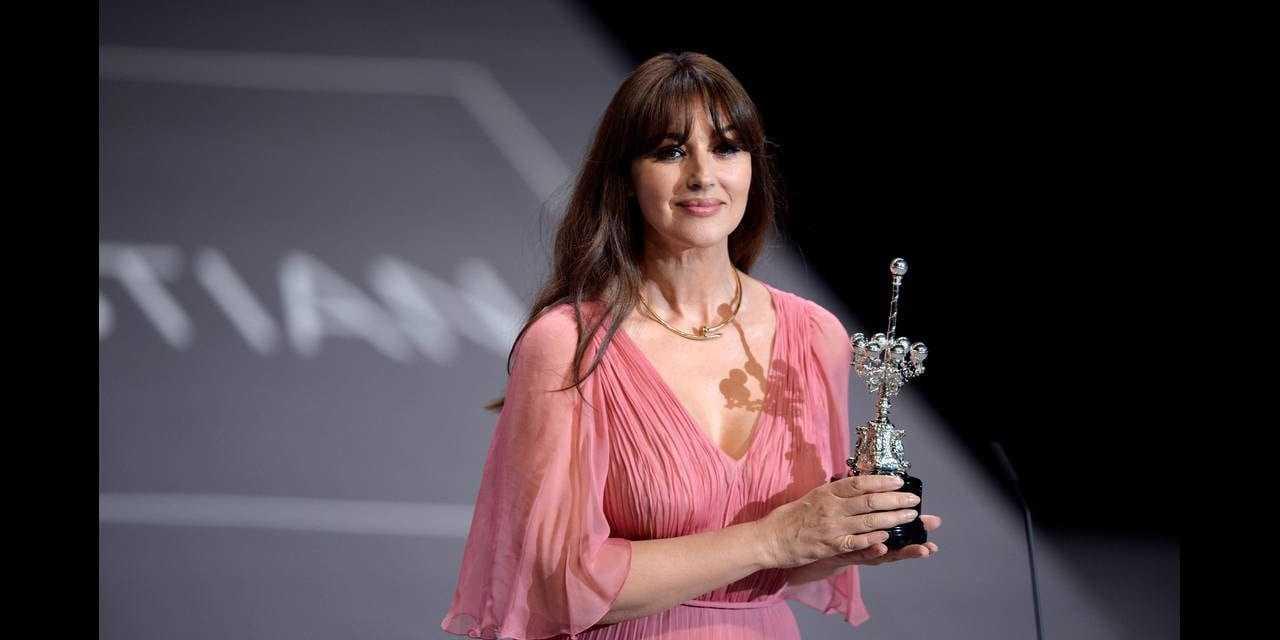 Μόνικα Μπελούτσι: Γοητεύει & βραβεύεται στο San Sebastian