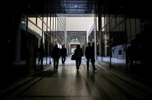 ΙΝΕ/ΓΣΕΕ: Υψηλή ανεργία έως το 2030, με τριπλάσια υποαπασχόληση
