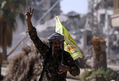 Ράκα: Απελευθέρωσαν τη διαβόητη πλατεία όπου γίνονταν οι εκτελέσεις