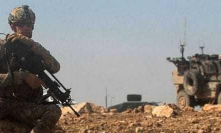Έκτακτο: Οι ΗΠΑ αναπτύσσουν στρατεύματα, κοντά στα τουρκικά σύνορα για να προστατεύσουν τους Κούρδους από επίθεση του Ερντογάν