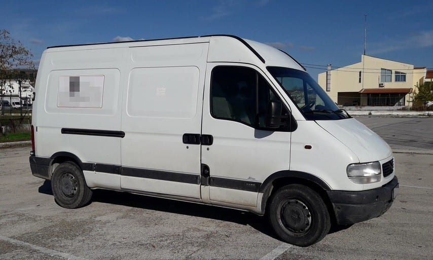 Βούλγαρος «πάστωσε» 19 παράνομους μετανάστες στο φορτηγάκι και τους προωθούσε στο εσωτερικό