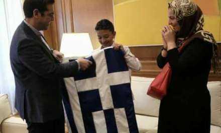 Αυτή είναι η προτεραιότητα του Πρωθυπουργού. Τα Ελληνόπουλα δεν έχουν θέση στην ατζέντα του;