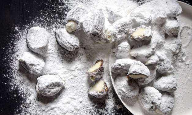 Δαμάσκηνα γεμιστά με λευκή σοκολάτα