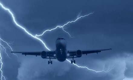 Χτύπησε κεραυνός αεροπλάνο στον … αέρα