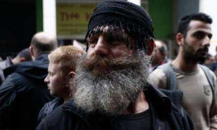 Έφιπποι Κρητικοί Ανεβαίνουν Στην Θεσσαλονίκη Για Το Συλλαλητήριο! Δείτε Το Πανό Που Θα Κρατούν
