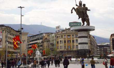 Βάλτε τους Αλβανούς να «φαγωθούν» με τους Σλάβους στα Σκόπια να ησυχάσουμε