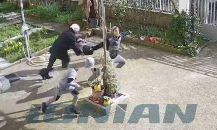 Βίντεο – ντοκουμέντο: Ανήλικοι ΡΩΜΑ χτυπούν ηλικιωμένη για να τη ληστέψουν (Σκληρές εικόνες)