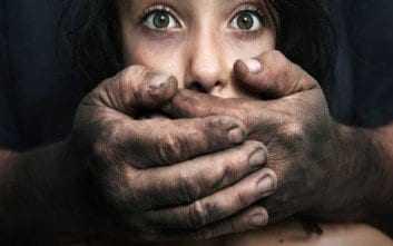 Σοκαριστική υπόθεση παιδεραστίας στην Κρήτη: Ηλικιωμένος φέρεται να ασελγούσε επί 10 χρόνια σε ανήλικη
