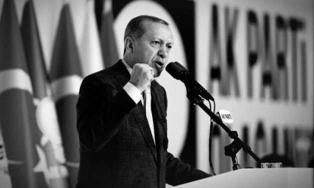 Express: Οι Τούρκοι απειλούν να εισβάλλουν στην Ελλάδα