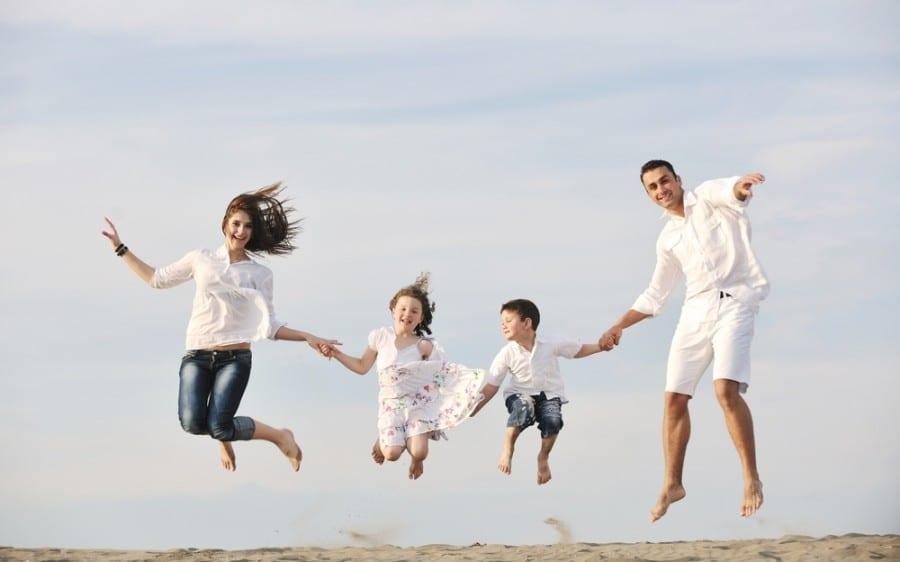 Γονείς: Να μην ξεχνάμε τον αντίκτυπο των πράξεων μας.