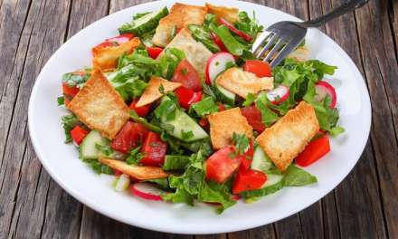 Σαλάτα φατούς Συνταγή ανατολίτικης προέλευσης, δροσερή και αρωματική