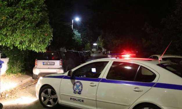 Ενέδρα και μαφιόζικη επίθεση στους Αγίους Αναργύρους. Γάζωσαν άνδρα με 8 σφαίρες, ο οποίος νοσηλεύεται σε κρίσιμη κατάσταση