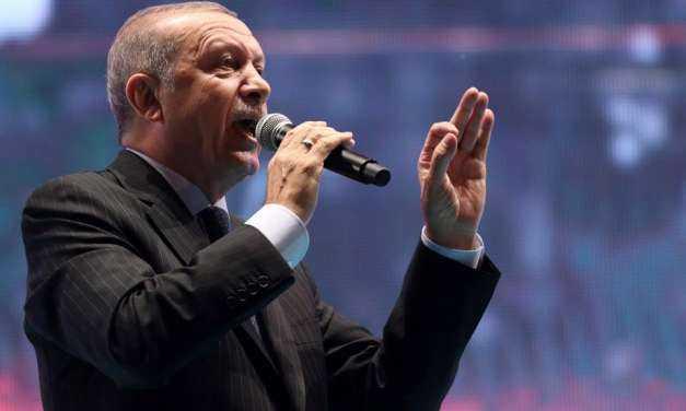Νέες αιχμές Ερντογάν: «Δεν θα ξεχάσουμε ποτέ αυτούς που άνοιξαν την αγκαλιά στους πραξικοπηματίες»