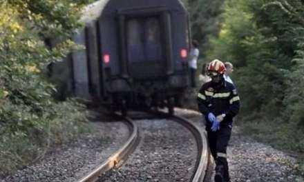 Έναν νεκρό και έναν βαριά τραυματία λαθρομετανάστη άφησε το τραίνο πίσω του