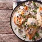 Κοτόπουλο αλά κρεμ με μανιτάρια Απολαυστική συνταγή με πλούσια γεύση
