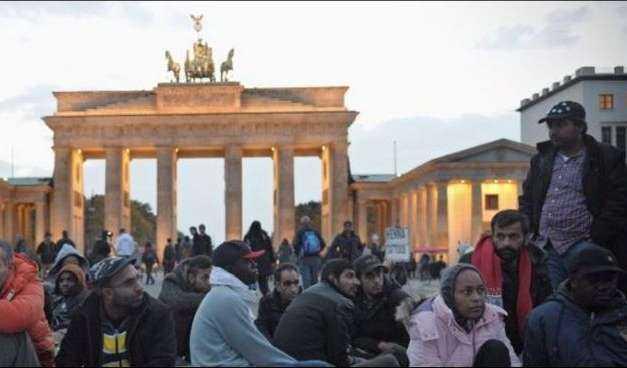 Καί άλλο έγκλημα κατα της Ελλάδος. Συμφωνία Τσίπρα Μέρκελ για επιστροφή παράνομων μεταναστων