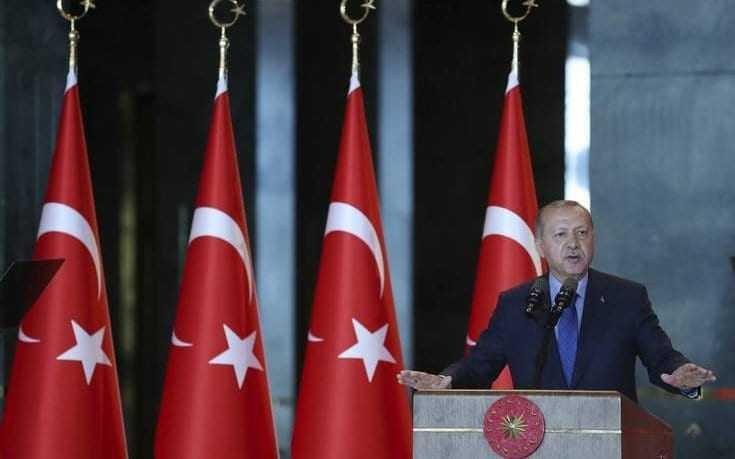 Μποϊκοτάζ σε αμερικανικά προϊόντα ανακοίνωσε ο Ερντογάν