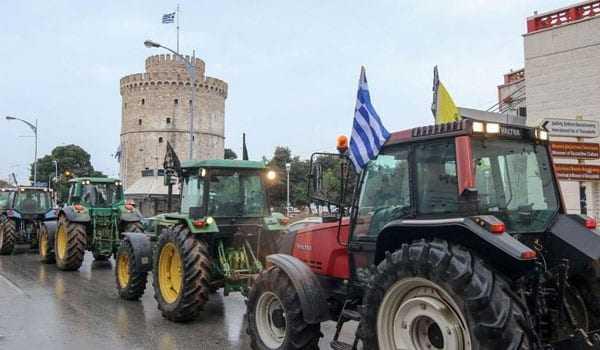 Θεσσαλονίκη: Εντείνονται οι κινητοποιήσεις σε όλα τα μπλόκα των αγροτών