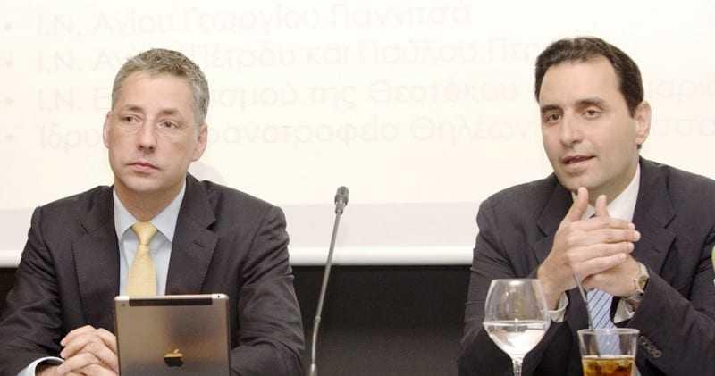 Στιγμιότυπο από την υπογραφή του Μνημονίου Συνεργασίας. Από αριστερά ο Country  Manager Greece του Διαδριατικού Αγωγού Φυσικού Αερίου (TAP), κ. Rikard Scoufias και δεξιά ο Πρόεδρος του Δικτύου Κοινωνικής Αλληλεγγύης και Αρωγής, κος. Νικόλαος Πέντζος