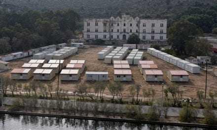 Την άμεση εκκένωση του Κέντρου Υποδοχής στη Λέρο ζητά με ομόφωνη απόφαση το Δ.Σ. Λέρου