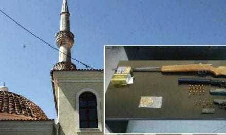 Στον εισαγγελέα ο ιμάμης της Ηλιόπετρας. Βρήκαν όπλα και πυρομαχικά μέσα στο τζαμί