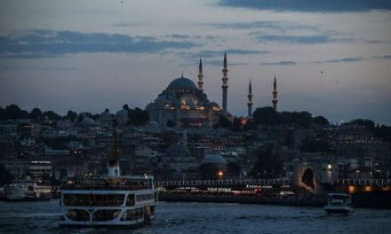 Προσδεθείτε:  Η Τουρκία στα βράχια