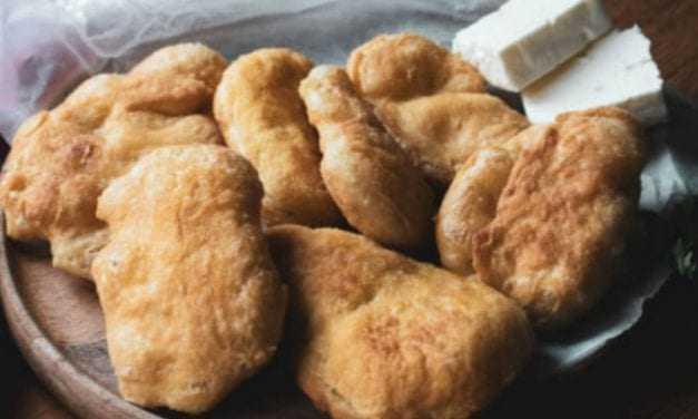 Τραβηχτές: Παραδοσιακή συνταγή για τις λαχταριστές πίτες Μάνης! Κανείς δεν μπορεί να αντισταθεί!