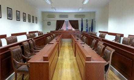 Έκτακτο δημοτικό συμβούλιο για να τιμηθεί η πρόεδρος της Δημοκρατίας