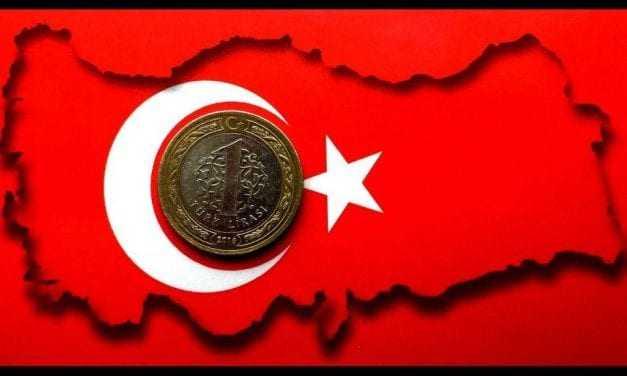 H λίρα καταρρέει, η Τουρκία παραπαίει και ο Ερντογάν αντιμέτωπος με μεγάλα διλήμματα