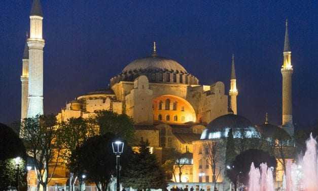 Εργαλείο ή όχι η Αγιά Σοφιά, η Ελλάδα για μία ακόμη φορά είναι μόνη