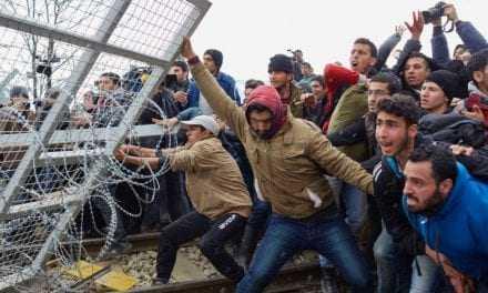 Επιστάμενες έρευνες για τον εντοπισμό και τη σύλληψη 4 αγνώστων δραστών ληστείας σε λαθρομετανάστες. Αλίμονο αν είναι Έλληνες