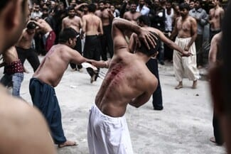 Το Πακιστάν συμπλέει με την Άγκυρα και η Αθήνα περιθάλπει τους Πακιστανούς